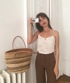 Jeanne Damas: Elements of Style - faraway places - A shopping list based on uber French Girl Jeanne Damas and her amazing style. Jeanne Damas, French Fashion, Look Fashion, Girl Fashion, Fashion Outfits, Fashion Trends, Paris Fashion, Latest Fashion, Fall Outfits