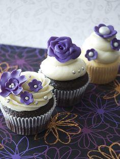 purple wedding cupcakes