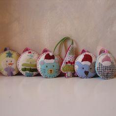 Love these original felt Christmas ornament designs.