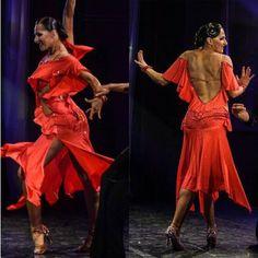 🎁 FREE SHIPPING 🚚 🛒 Order on the website www.ddressing.com - - - #ballroom #dress #dancewearsales #latina Ballroom Dresses For Sale, Swarovski Stones, Dance Costumes, Dressing, Free Shipping, Website, Red, How To Wear, Style
