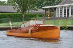 Dutch Barge, Raised Deck, Classic Wooden Boats, Deck Boat, Wood Boats, Boat Tours, Boat Building, Club, Eye Candy
