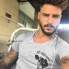 Hair And Beard Styles, Short Hair Styles, Quotes Vegan, Boys Lindos, Vegan Store, Attractive Men, Modern Man, Haircuts For Men, Trendy Hairstyles