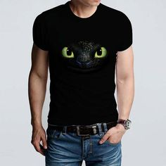 Super cool toothless face peering out from a black tee... adult sizes only. 100% cotton shirt.