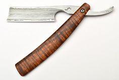 Unbelievably beautiful straight razor by Tim Zowada (www.tzknives.com)