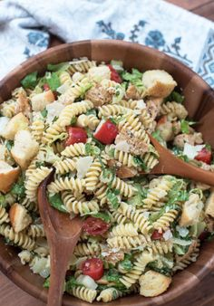 These Easy Pasta Salad Recipes Are Perfect for Summer Potlucks 59 Summer Pasta Salad Recipes – Easy Ideas for Cold Pasta Salad Picnic Salad Recipes, Chicken Pasta Salad Recipes, Chicken Caesar Pasta Salad, Easy Pasta Salad Recipe, Healthy Salad Recipes, Caesar Salad, Chicken Ceasar, Picnic Snacks, Summer Pasta Salad