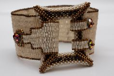 Buckle Your Cuff Bracelet in cream, bronze, and brown - Diane Dennis Jewelry Clasps, Seed Bead Jewelry, Beaded Jewelry, Beaded Bracelets, Jewellery, Bracelet Patterns, Beading Patterns, Bijoux Diy, Beads And Wire