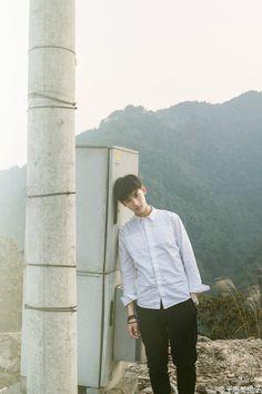 Đây là chàng nam thần sinh năm 1998 đang khiến các cô gái chết mê chết mệt - Ảnh 2. Song Wei Long, Doi Song, Boy Fashion, Mens Fashion, The Big Boss, Korea Boy, Girl Couple, Tumblr Boys, Flower Boys