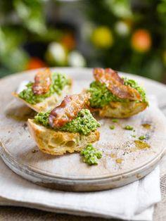 British Beans & Peas | BRUSCHETTA WITH SMASHED PEAS AND CRISPY PANCETTA
