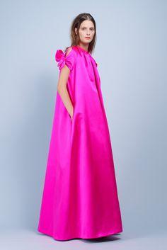 Paule Ka Spring 2014 Ready-to-Wear Collection Photos - Vogue Pink Fashion, Fashion Show, Fashion Dresses, Womens Fashion, Fashion Tips, Fashion Design, Fashion Trends, Nyc Fashion, Fashion Vintage