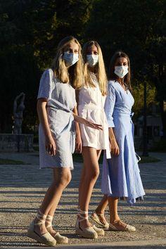 Princess Sofia, Queen Letizia, Royal Fashion, Espadrilles, Spain, White Dress, Crown, Royal Style, People