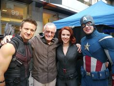 Stan Lee with Hawkeye, Black Widow and Captain America on the set of The Avengers