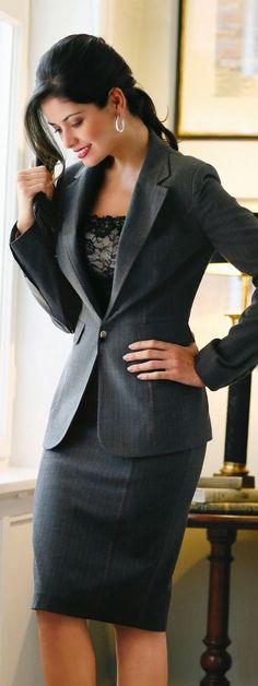 Business Formal: A sleek charcoal suit presents a clean and professional look. Paired with a nice blouse and accessories, this outfit is perfect for anywhere that a business formal look is required. Business Fashion, Business Professional Attire, Professional Dresses, Office Fashion, Work Fashion, Professional Women, Fashion Fall, Style Fashion, Jw Fashion