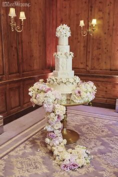 Giving a traditional styling a hint of opulence and grandeur, regal wedding day romance at Hedsor House is unveiled as the epitome of a timeless legacy. Sweet Table Wedding, Wedding Cake Fresh Flowers, Wedding Spot, Cake Flowers, Wedding Reception, Wedding Venues, Metallic Wedding Cakes, Elegant Wedding Cakes, Wedding Cake Designs