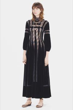 Sfilata Christian Dior Parigi - Pre-Collezioni Autunno-Inverno 2017-18 - Vogue