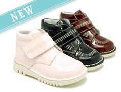 Tienda online de calzado infantil Okaaspain. Bota tipo Kicker de piel con velcro. Calidad al mejor precio hecho en España.