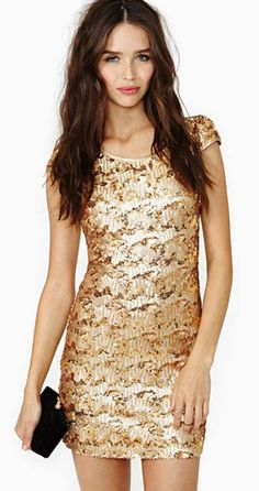 Glittery gold - this beats sequins anyday x