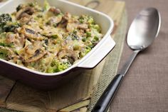Tagliatelle Tuna Bake Recipe with mushrooms and broccoli Healthy Meals For Kids, Kids Meals, Healthy Recipes, Healthy Food, Recipe With Broccoli And Mushrooms, Fish Recipes, Baking Recipes, Student Dinners, Tuna Bake