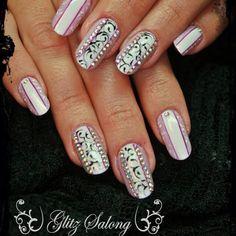 #gelnails #nailart #nailswag #nailartclub #nailstones #gelpaints #geelküüned #artificalnails#glitzsalong