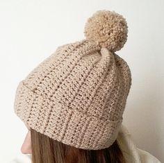 Cuffia in lana fatta a mano all uncinetto_by_Rossella Creazioni