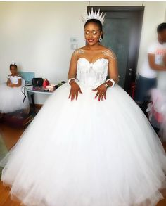 Crystal Wedding Dresses, Plus Size Wedding Gowns, Bridal Dresses, Bridesmaid Dresses, Brides And Bridesmaids, Bride Hairstyles, African Dress, Ball Gowns, Couture