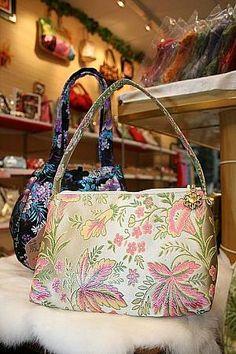 ウェイ・ゼン手工布包店 | 台湾ショッピング・買物-台北ナビ Shoulder Bag, Bags, Handbags, Shoulder Bags, Bag, Totes, Hand Bags