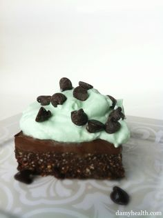 Mint Fudge Oreo Squares (Vegan and Raw) from DAMY Health