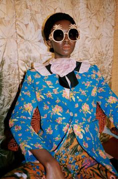 Gucci's pre-fall 2017 campaign spotlights a cast of all-black models. Called 'Soul Scene', Glen Luchford captures a party of young people at London's Mildmay… Gucci Pre Fall 2017, Gucci 2017, Gucci Ad, Gucci Campaign, Gucci Fashion, Fashion Trends, Baroque Fashion, Moda Fashion, Fast Fashion