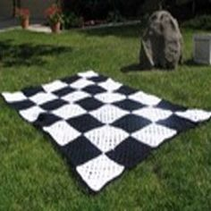 Great pattern for a boy who loves cars.  It would be even better with a car sewn in on one of the corners.