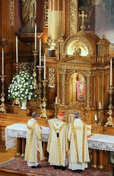 Photos: Three Ordinations at St John Cantius, Chicago Catholic Altar, Roman Catholic, St John Cantius, Chi Rho, Altars, Religious Art, Baroque, Polish, Traditional