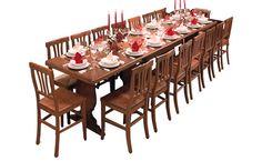 esta mesa està en la cocina;  la usamos cuando tenemos huéspedes porque es mucha grande