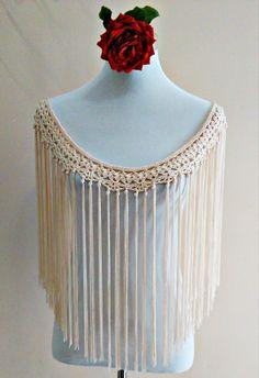 flecos de flamenca a crochet Crochet Lace Collar, Crochet Blouse, Crochet Poncho, Bead Crochet, Crochet Scarves, Diy Crochet, Crochet Clothes, Crochet Stitches, Crochet Hats