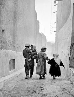 Algeria by Dana Kyndrová