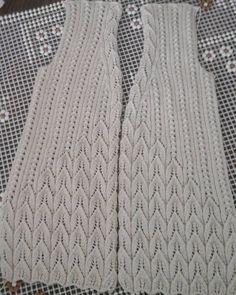 Нет описания фото. Ladies Cardigan Knitting Patterns, Crochet Vest Pattern, Lace Knitting Patterns, Cable Knitting, Easy Knitting, Moda Emo, Christian Dior, Cardigans For Women, Instagram