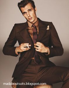 I like brown suits a lot. Brown Suit Wedding, Wedding Suits, Mens Tux, Mens Suits, Suit Men, Suit Fashion, Mens Fashion, Greaser Style, Rockabilly Men