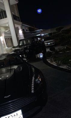 Night Aesthetic, City Aesthetic, Dubai Video, Luxury Lifestyle Fashion, Lux Cars, Mercedes Car, Car Goals, Applis Photo, Best Luxury Cars