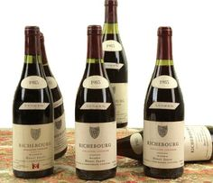 Henry Jayer - Richebourg 1985 / Burgundy - France. One of the most expensive wines of the world. Wine Specctator : 99 /100, Burghound : 97/100, Vintages Tastings,  97/100, Parker : 94/100. Average Price : 15000 USD