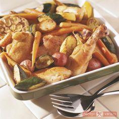 Tepsis csirke sült zöldségekkel