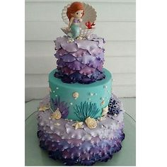 This Mermaid birthday cake is so cute! I'd like this cake for my birthday too Little Mermaid Cakes, Mermaid Birthday Cakes, Little Mermaid Parties, Mermaid Birthday Party Ideas, Mermaid Cake Pops, Mermaid Birthday Decorations, Bolo Fack, Sea Cakes, Mermaid Baby Showers