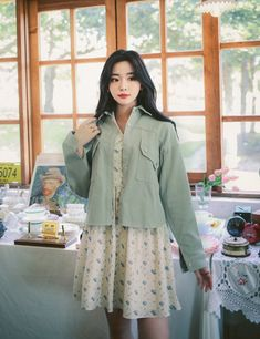 Pretty Outfits, Cool Outfits, Fashion Outfits, Asia Girl, College Fashion, Western Outfits, Korean Style, Ulzzang Girl, Pretty Girls