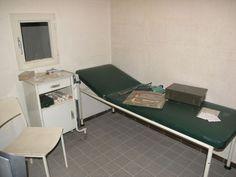 Dekontaminationskontrolle und medizinische Erstversorgung im Regierungsbunker