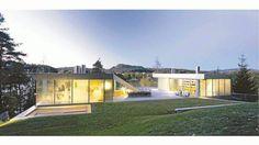 """""""V-House"""" (Villa Varner), Nesøya i Asker    Space Group Arkitekter AS    Byggherre: Joakim Varner    Fullført: 2003"""