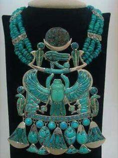 2JOYERIA: el batido del oro, el cincelado, el grabado a buril, el granulado y la incrustación.