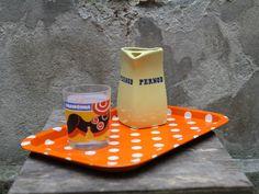 """Carafe en céramique jaune avec ecriture """"PERNOD"""" en bleu. 50 cl de contenance de la boutique 10H01 sur Etsy"""