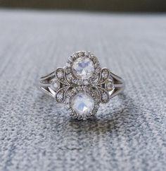 Antigua piedra de luna y diamante Halo bohemio por PenelliBelle