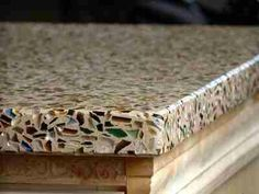 Recycled glass counter top…much cheaper than granite & you can choose from a large selection of colors! Much more interesting than granite too! @ Home Ideas Worth Pinning Recycled Glass Countertops, Concrete Countertops, Kitchen Countertops, Countertop Options, Painting Countertops, Tops Diy, Room Deco, Diy Home, Home Decor