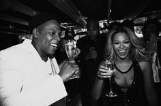 What pregnancy rumours? Beyonce keeps everyone guessing as she enjoys a glass of champagne with Jay Z after Paris concerts Beyonce Et Jay Z, Beyonce Knowles, Beyonce Pregnant, Paris Black And White, Film Trilogies, Carter Family, Interview, Drunk In Love, Celebrity