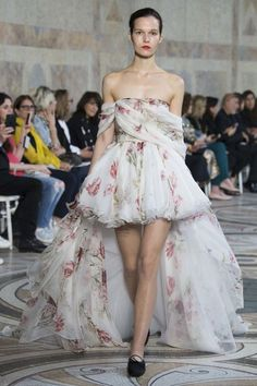 Giambattista Valli haute couture autumn/winter '17/'18 - Vogue Australia