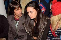 Vocalista do Red Hot Chilli Peppers está namorando modelo brasileira 30 anos mais nova - http://metropolitanafm.uol.com.br/novidades/famosos/vocalista-do-red-hot-chilli-peppers-esta-namorando-modelo-brasileira-30-anos-mais-nova