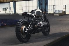 BMW Café Racer by Diamond Atelier: their third build is this awesome looking BMW Café Racer and we have to be honest: it looks damn good! Scrambler Motorcycle, Motorcycle Garage, Bmw Motorcycles, Custom Motorcycles, Custom Bikes, Bobber Bikes, Triumph Scrambler, Retro Motorcycle, Moto Cafe