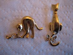2 BROOCHES of CATS Tail Wagging & Feeding a by CarolsClassicCloset